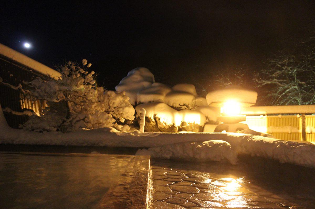 冬の贅沢、雪見露天風呂が愉しめる温泉ソムリエおすすめの温泉宿