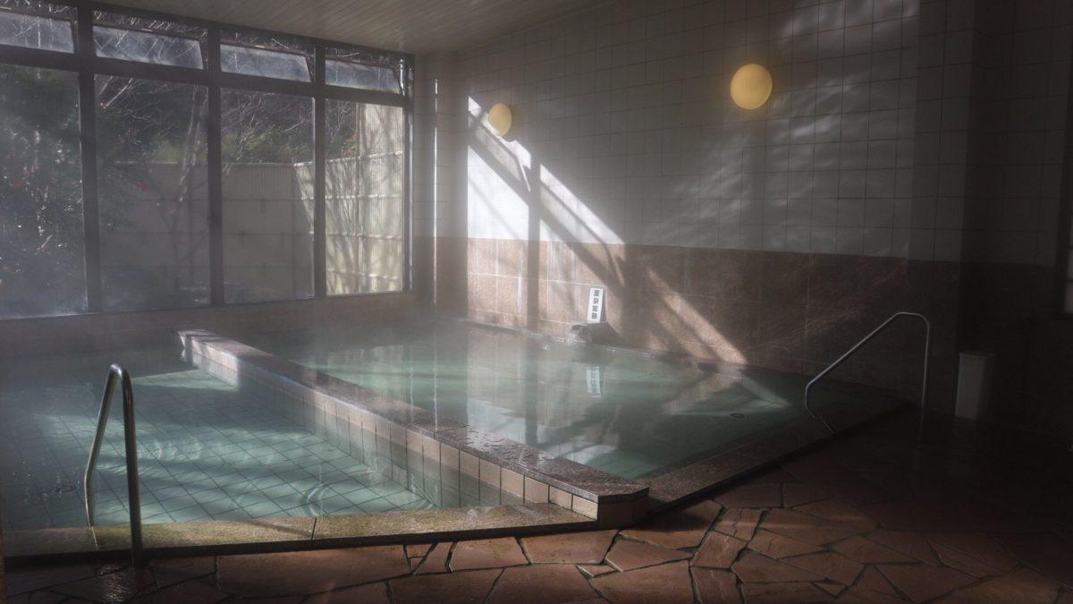夏におすすめ!地元民に愛される、静岡のアルカリ硫黄泉の秘湯☆【静岡県】