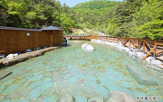 8月のおすすめ温泉~夏だから行く美しい温泉でマイナスイオンをたっぷりと浴びよう~