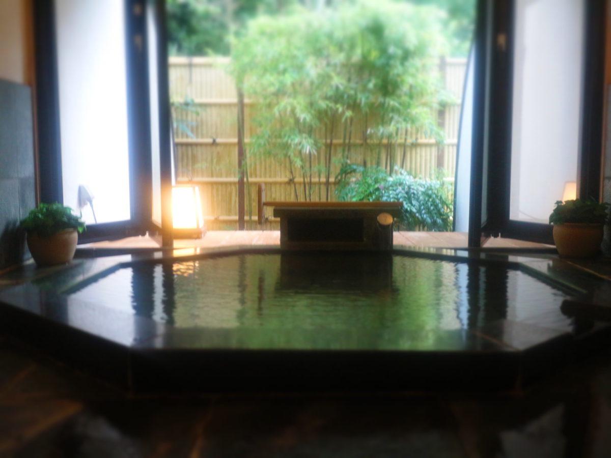 かけ流し温泉&フレンチ料理「源泉掛け流しの小さなホテル マストランプ」がめっちゃよかった!【静岡県】